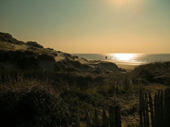 """L'Appart d'Equihen-plage"",  terrasse avec vue mer"