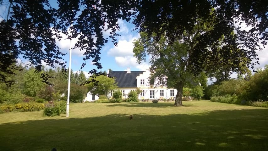Separate private annex, close to nature and Præstø