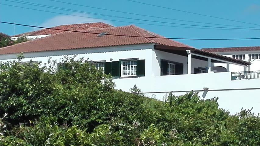 Casa da Adega - Vivenda perto da praia - Ribeira Cha - Hus