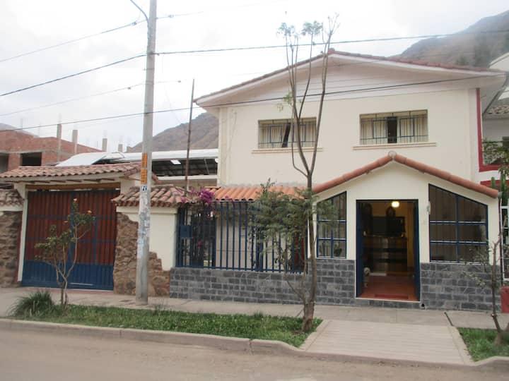 Viajes destino Calca en el Valle Sagrado.