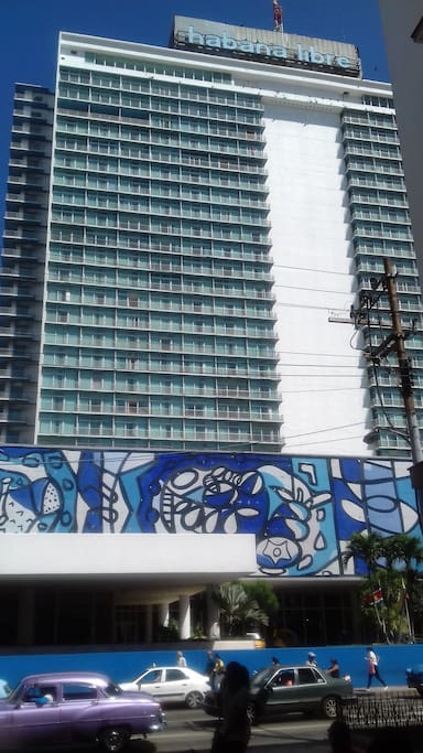 Hotel Habana Libre frente al edificio
