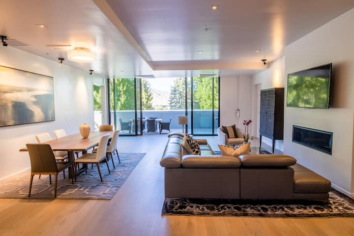 Luxury Downtown Penthouse w/ Mountain Views- North