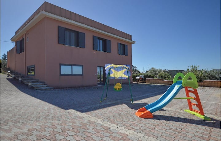 Holiday cottage with 2 bedrooms on 110m² in Menfi (AG)