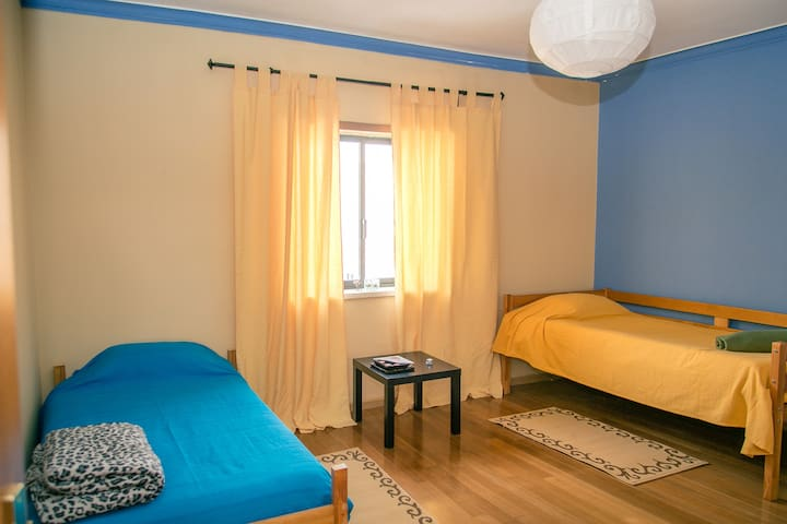 Comfortable Room- Art Place - Montijo - Apartment