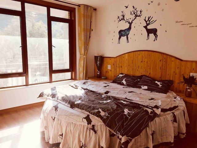 莫干山殊恋客栈-圆床房,自热竹海,天然氧吧