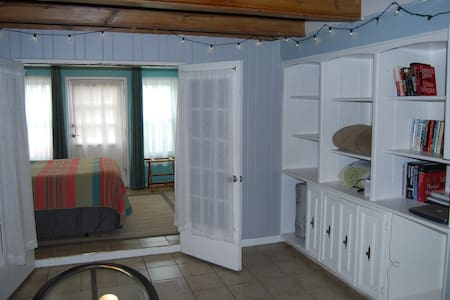 Cozy, Private and One Block Off the Beach!