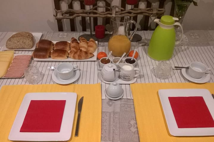 Room with Breakfast in Roeselare - Roeselare - House