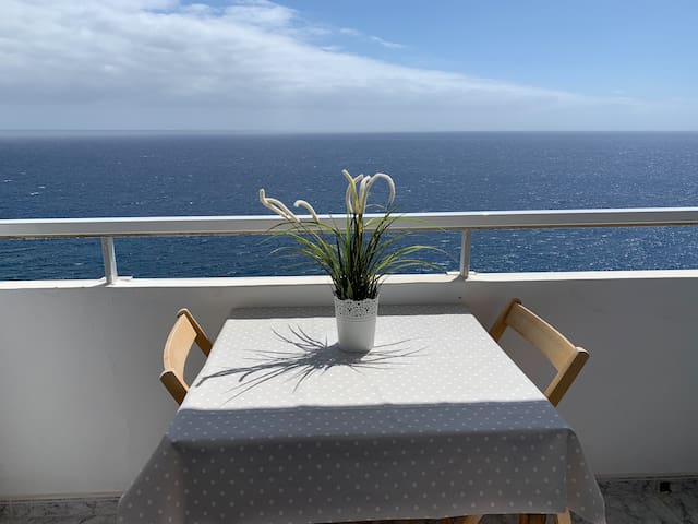 Apartamento sobre el mar.  Apartment by the sea