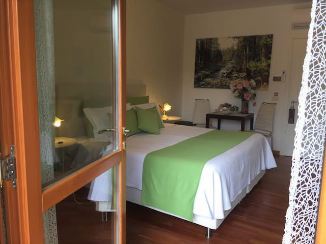 Superior room, cozy guesthouse-parking/wifi/garden