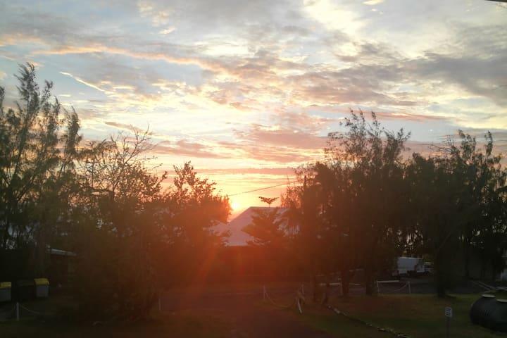 coucher de soleil, vu du premier étage