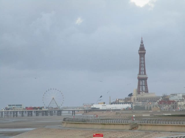 Family flat 2 mins from Beach, Blackpool - Blackpool - Pis