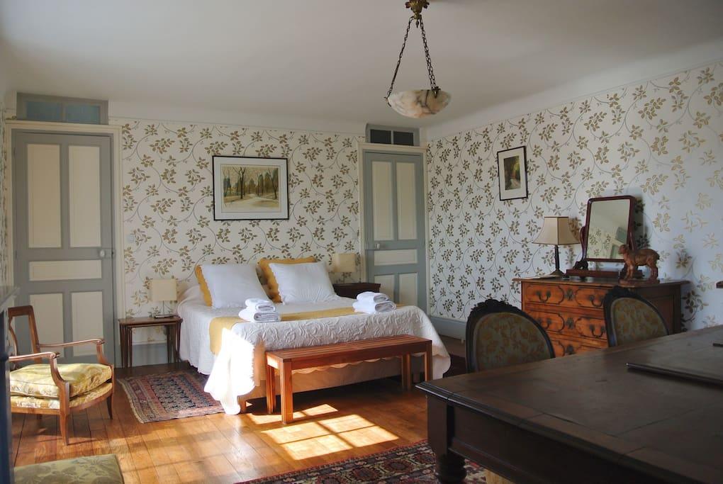 chambre d 39 h tes au pays basque chambres d 39 h tes louer urrugne aquitaine france. Black Bedroom Furniture Sets. Home Design Ideas