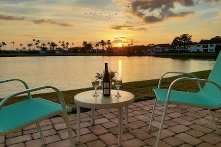 Breathtaking Sunset - Renovated Studio Saddlebrook