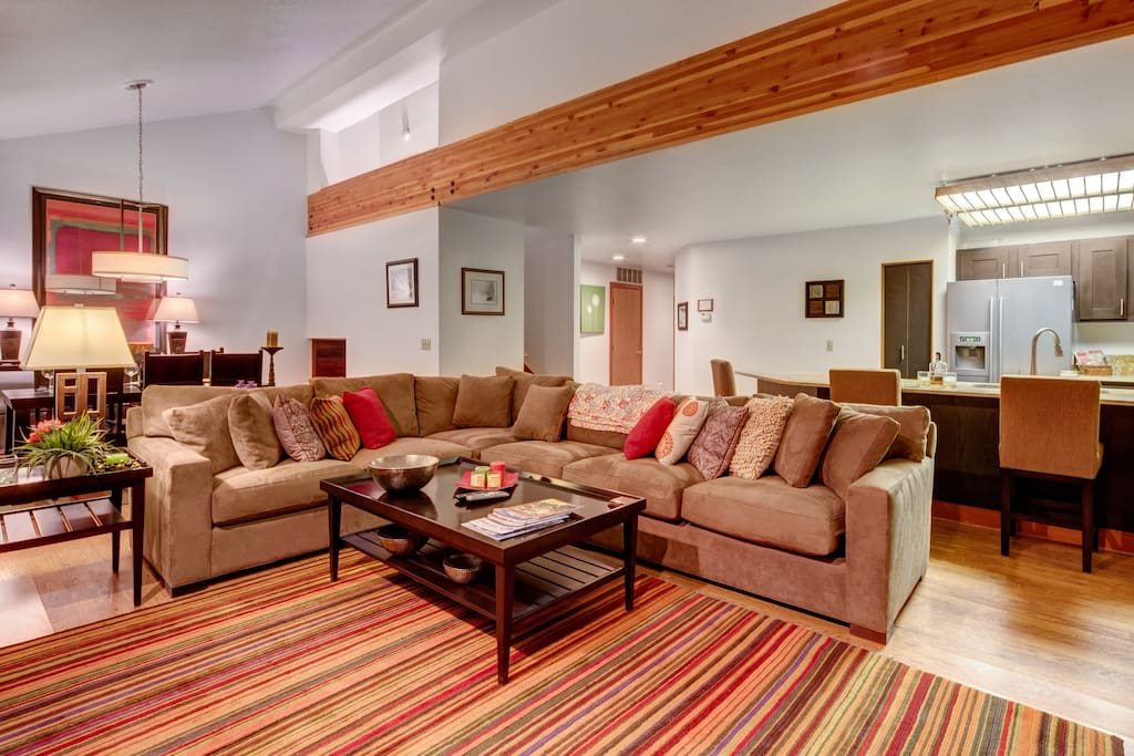 Living Room - fireplace, plenty of comfortable seating, large flatscreen HD TV