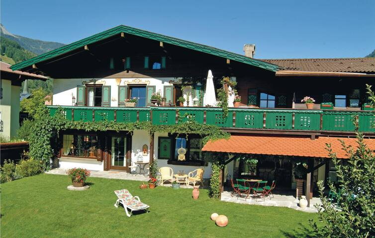 Holiday apartment with 2 bedrooms on 45m² in Dorfgastein