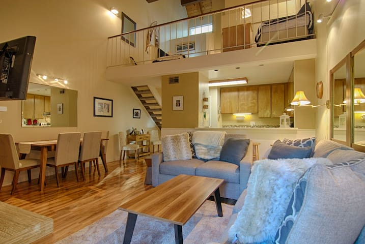 Remodeled and Stylish Carnelian Woods Condo #317