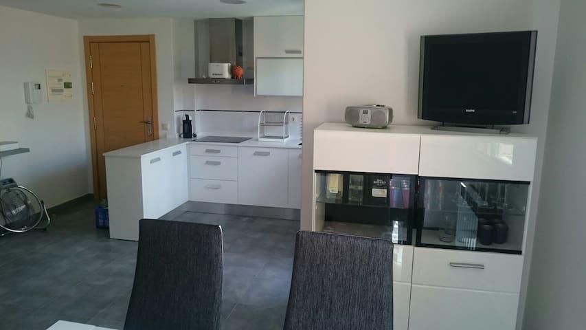 Moderno apartamento con terraza - Logroño, La Rioja, España - Apartamento