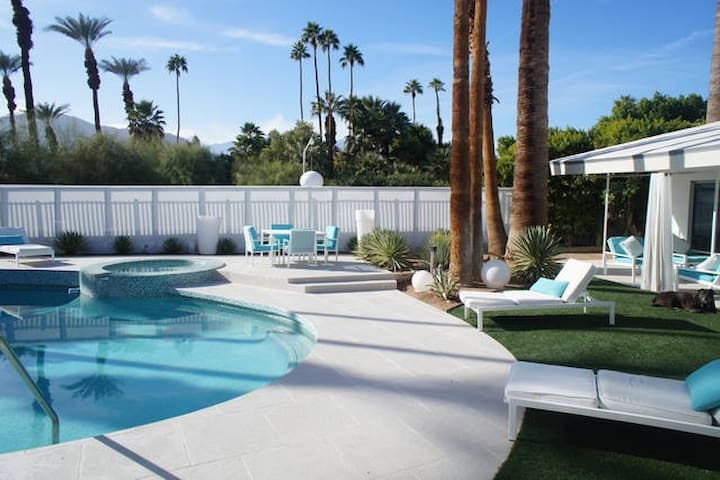 Private 3 BD/3 BA 50's Modern w/ pool & jacuzzi - Rancho Mirage - Rumah