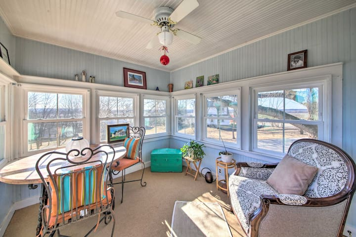 NEW! Cozy Augusta Home w/ Porch-Walk to Katy Trail