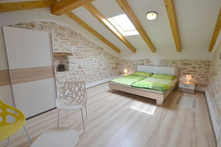 Agata Apartment for 3 person - Novigrad