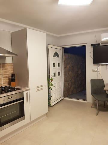 Studio  Dora