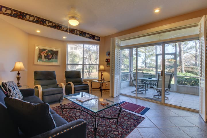 Family-friendly condo w/ shared, seasonal pool, full kitchen, & furnished patio