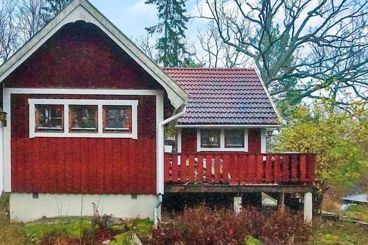 6 person holiday home in DJURHAMN