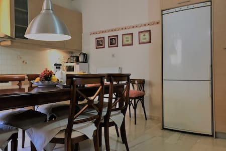 Central 3 bedroom apartment near Venetian Port