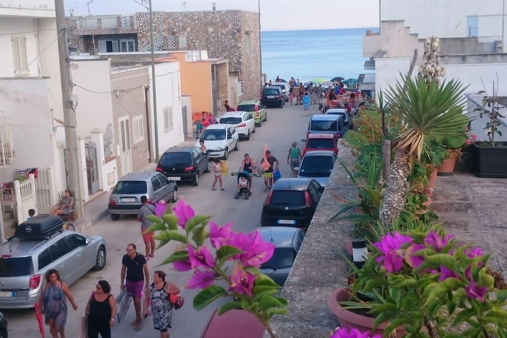 terrazza della casa e distanza dal mare