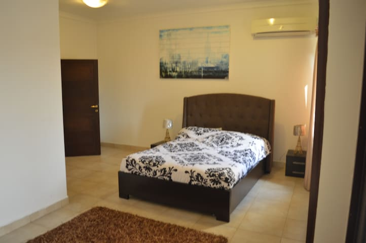 3 Bedroom short stay apartment