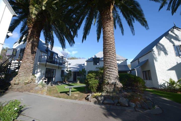 Akaroa's Premier Accommodation Complex #47