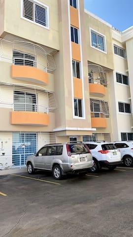 SFM Condominium con Wi-Fi y AC en zona exclusiva!