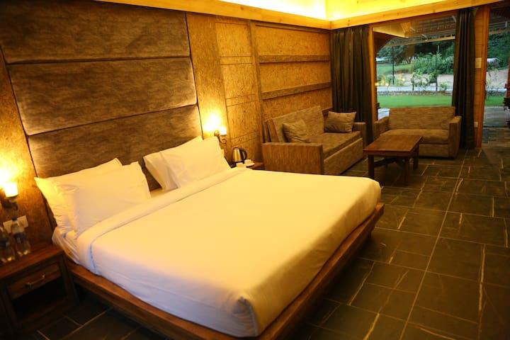 The Sylvan Retreat Dehradun - Master Family Suite