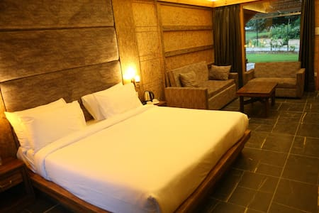 The Sylvan Retreat Dehradun - Master Family Suite