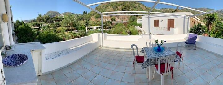 Casa Angela, dimora di charme nel centro di Lipari