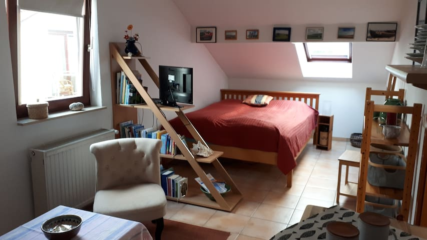 Doppelbett 1,40 m x 2,0 m