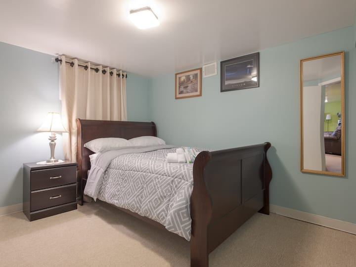Cozy and private room minutes from Baltimore/BWI
