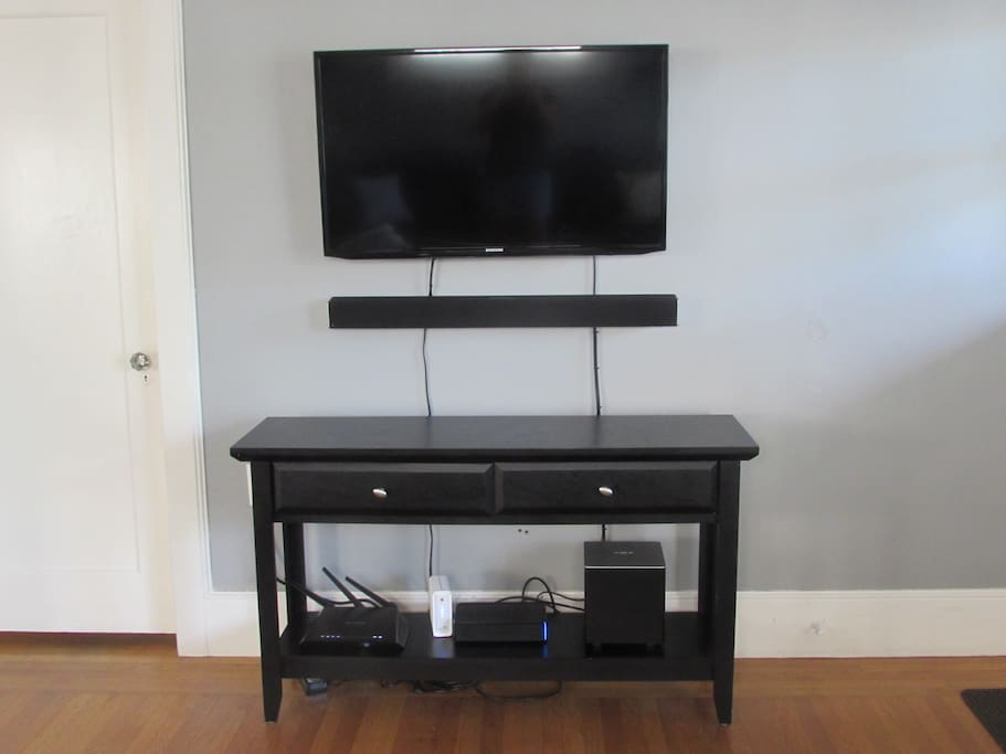 """42""""TV with blue tooth capable sound bar/Netflix/HBO"""