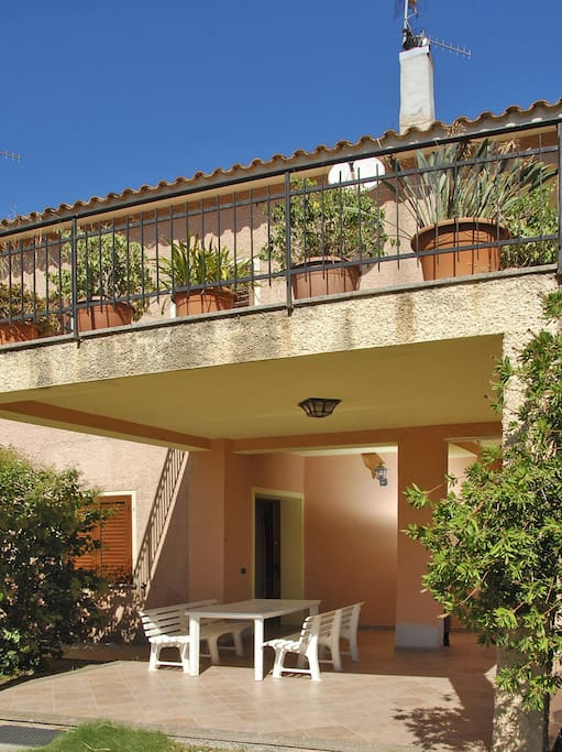 Residence sole appartamenti in affitto a san teodoro for Appartamenti san teodoro privati