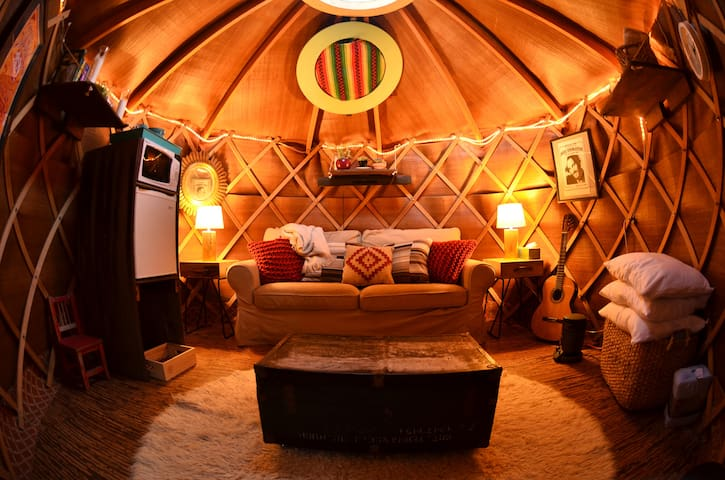 Cozy Alameda yurt, great for a weekend escape!
