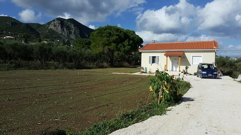 Casa Carina   (SELF CATERING/SELF SERVICING HOUSE)