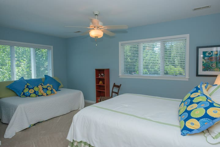 Upper Level: Bedroom 2 (New bedding not pictured incl. 1 QUEEN bed, and 1 TWIN w/ TWIN trundle). Sleeps 3-4.