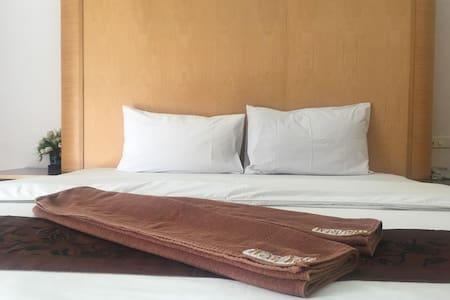 Lover Puangkasem Grand Hotel