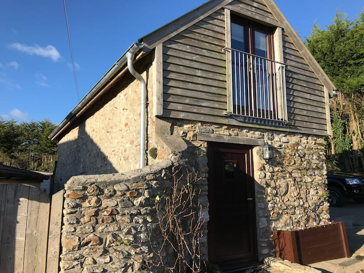 The Barn - peaceful East Devon getaway for 2