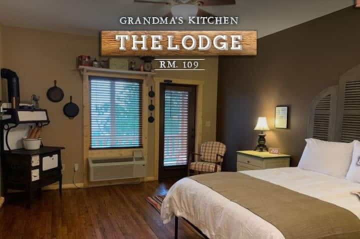 """Grandma's Kitchen"" Lodge Room 109"