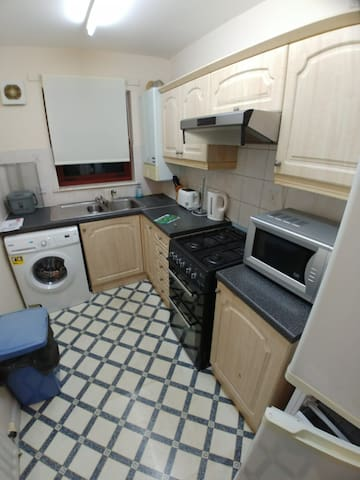 Cosy flat 20 mins from glasgow university