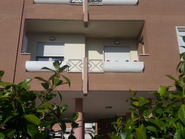 """Come a casa""  di Luca e Valeria - Zona Latina Est"