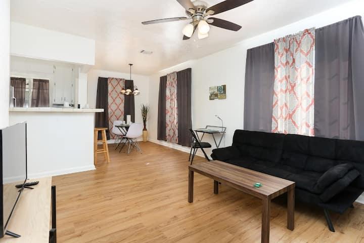 Downtown San Antonio Apartment 20 Min to Sea World