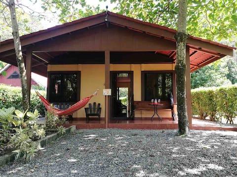 Macaw Caribbean Lodge