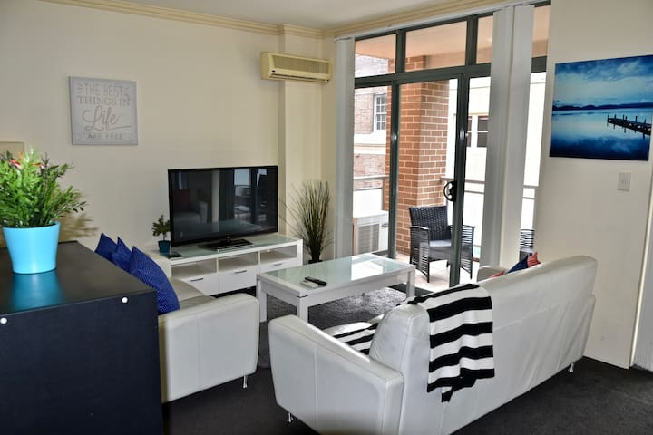 Beautiful 2BR Apt in Pyrmont (free parking) 61
